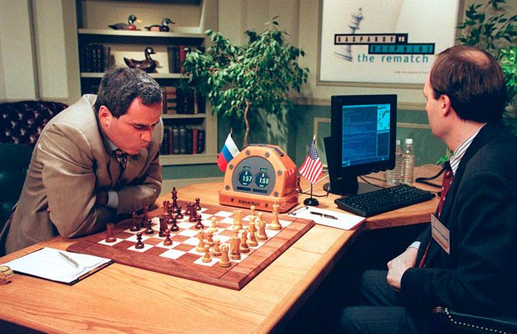 Garri Kaspárov contra el ordenador Deep Blue en 1997.